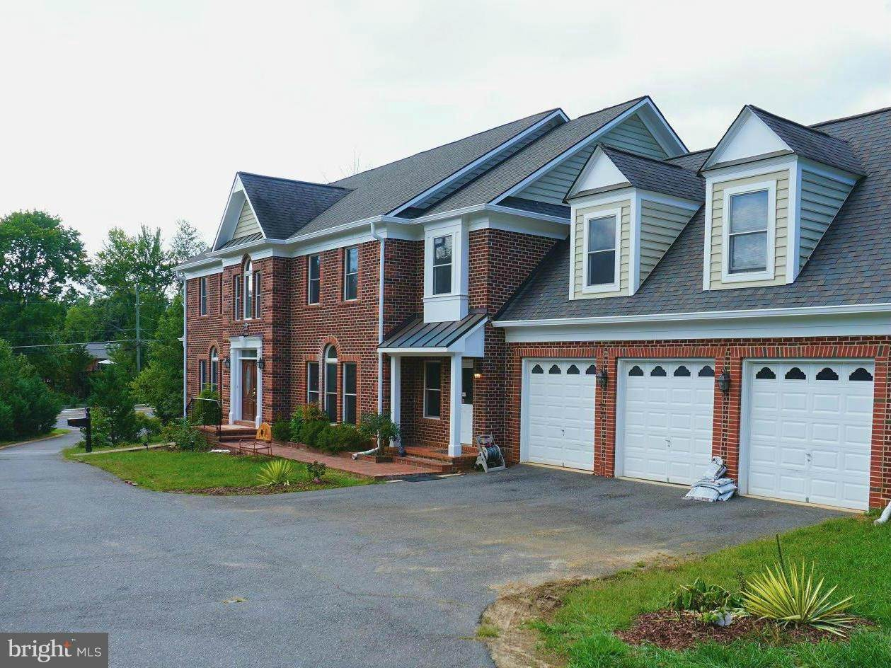 Single Family Homes alle Annandale, Virginia 22003 Stati Uniti