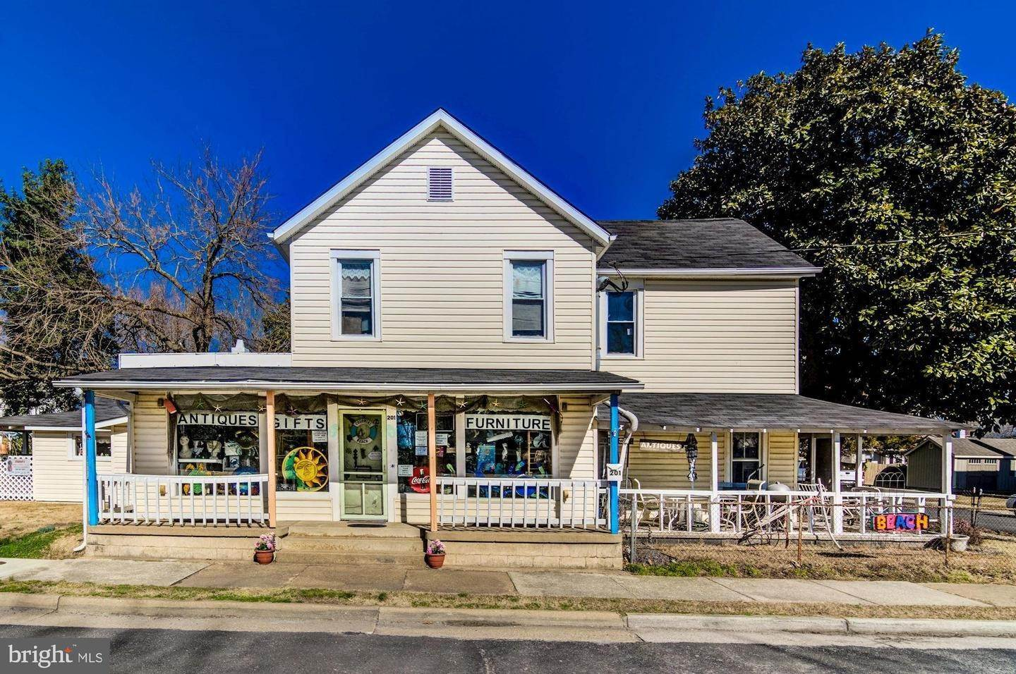 Retail for Sale at Colonial Beach, Virginia 22443 United States