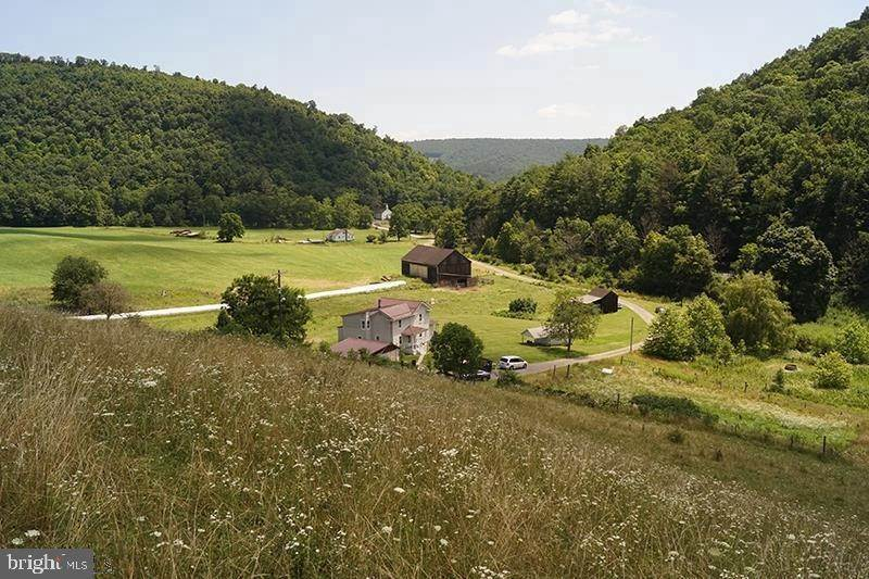 Single Family Homes pour l Vente à Clearville, Pennsylvanie 15535 États-Unis