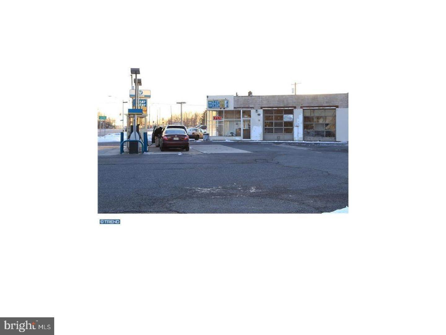 Retail for Sale at Robbinsville, New Jersey 08691 United States