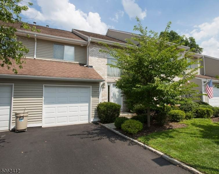 Condo / Townhouse at East Hanover, New Jersey 07936 United States