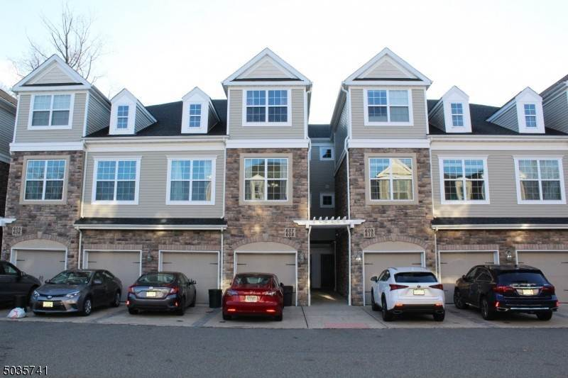 Condo / Townhouse for Sale at Morris Plains, New Jersey 07950 United States