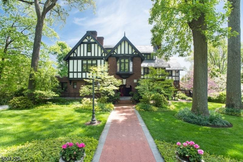 Single Family Homes por un Venta en Montclair, Nueva Jersey 07042 Estados Unidos