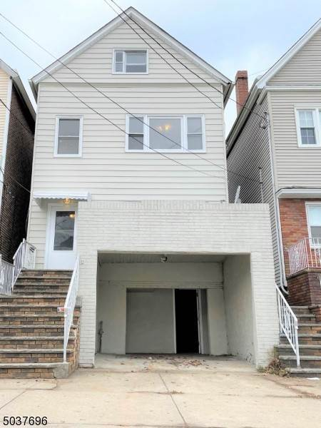 Single Family Homes por un Venta en Bayonne, Nueva Jersey 07002 Estados Unidos