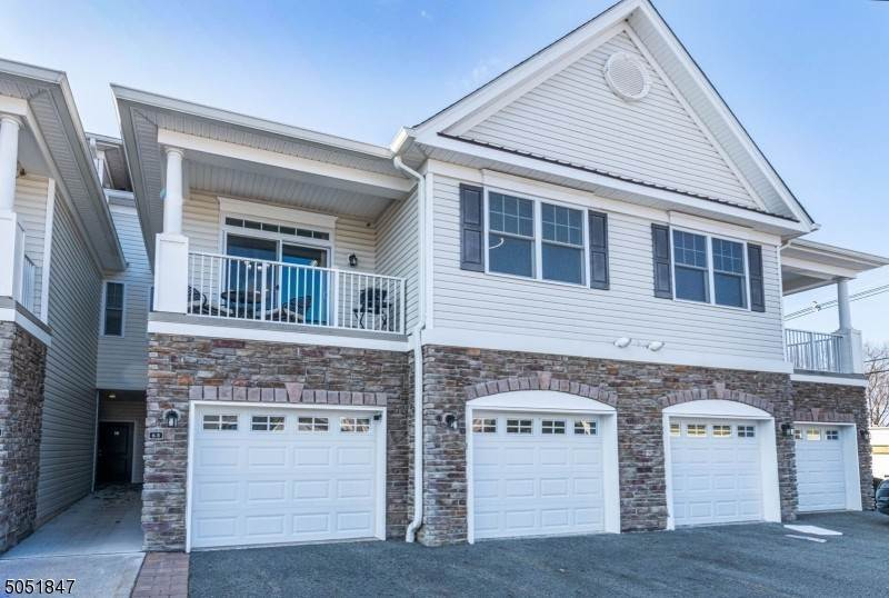 Condo / Townhouse for Sale at Wanaque, New Jersey 07420 United States