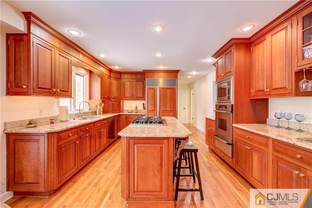 10. Single Family Homes for Sale at Cranbury, New Jersey 08512 United States