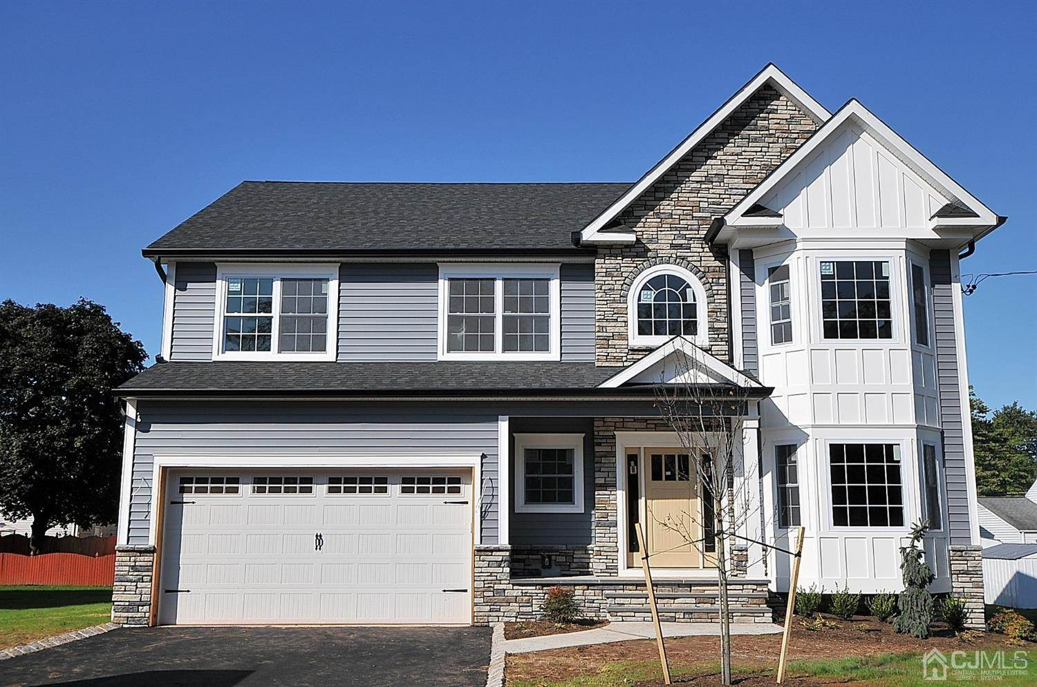 Single Family Homes por un Venta en Colonia, Nueva Jersey 07067 Estados Unidos