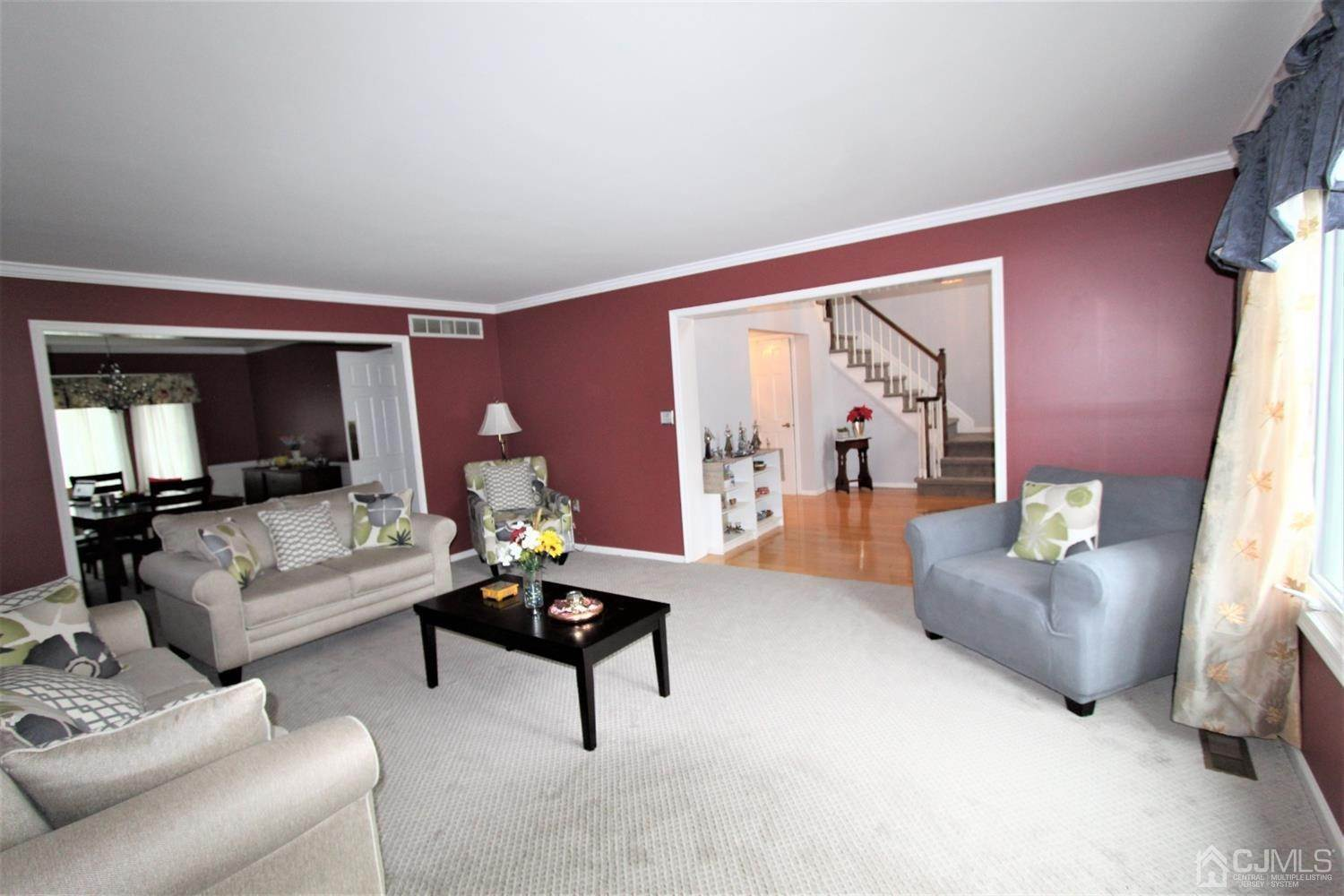 14. Single Family Homes for Sale at Plainsboro, New Jersey 08536 United States