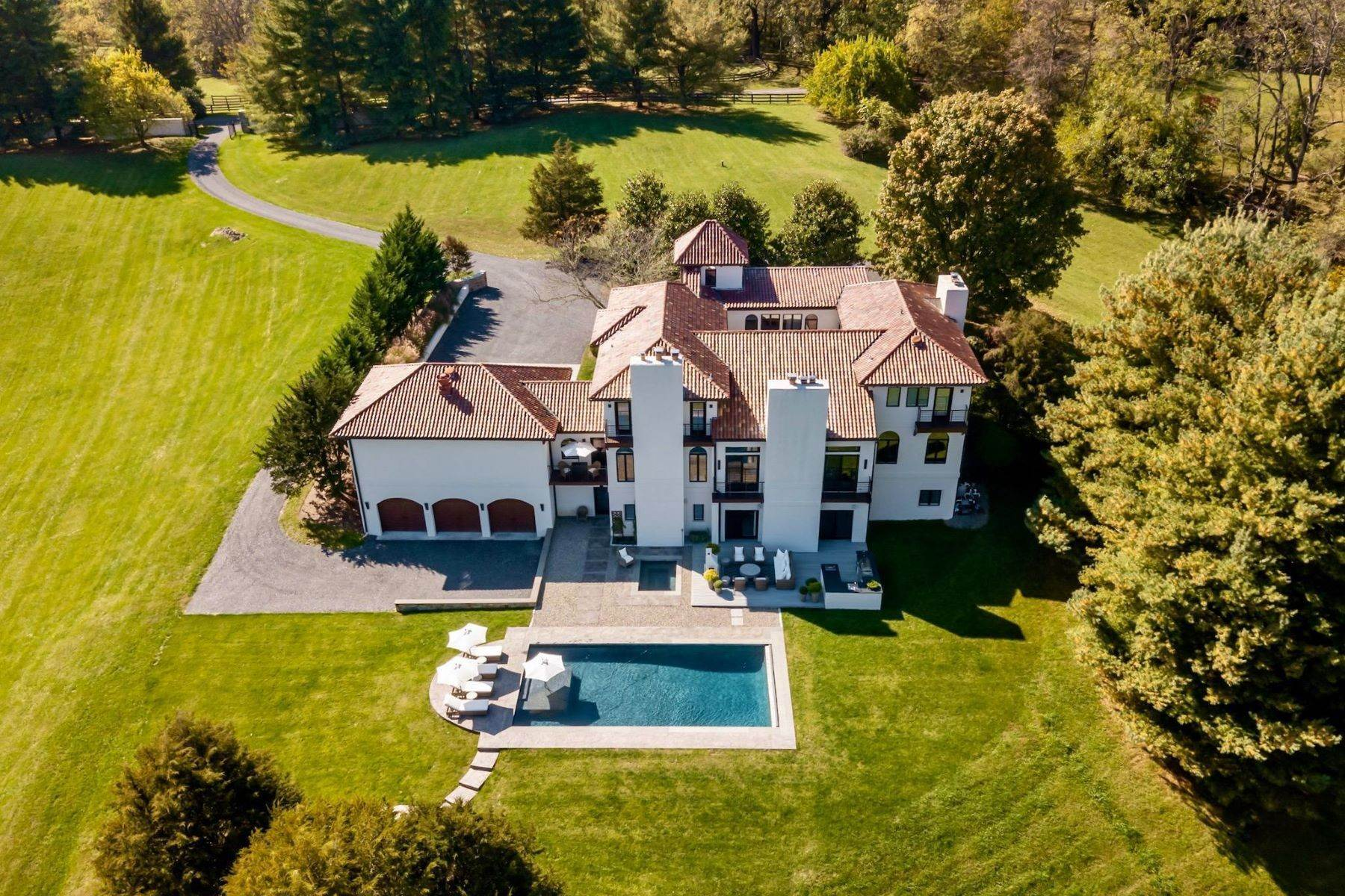 Single Family Homes のために 売買 アット Fully-Renovated Country Estate 9486 Briar Ln, Delaplane, バージニア 20144 アメリカ