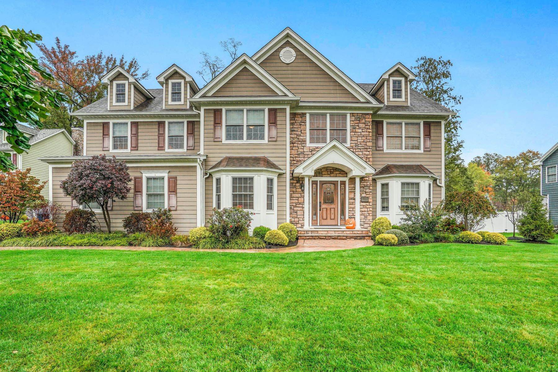 Single Family Homes for Sale at Perfect For Today's Living 11 Hidden Meadow Drive, Scotch Plains, New Jersey 07076 United States