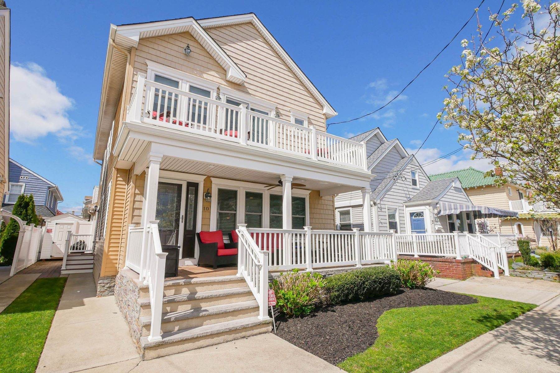 Single Family Homes vì Bán tại 10 N Exeter Avenue, Margate, New Jersey 08402 Hoa Kỳ