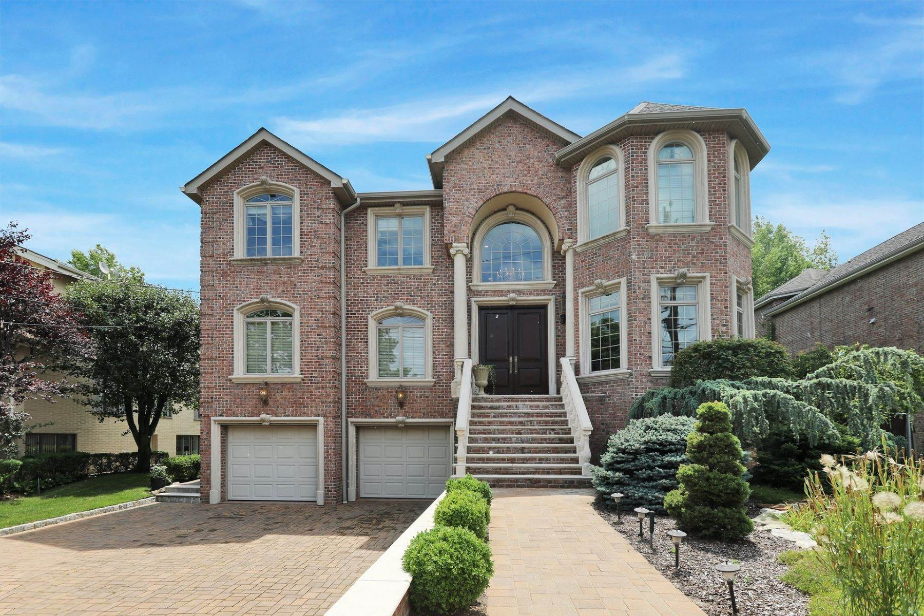 Single Family Homes per Vendita alle ore Signature Home Englewood Cliffs, Englewood Cliffs, New Jersey 07632 Stati Uniti