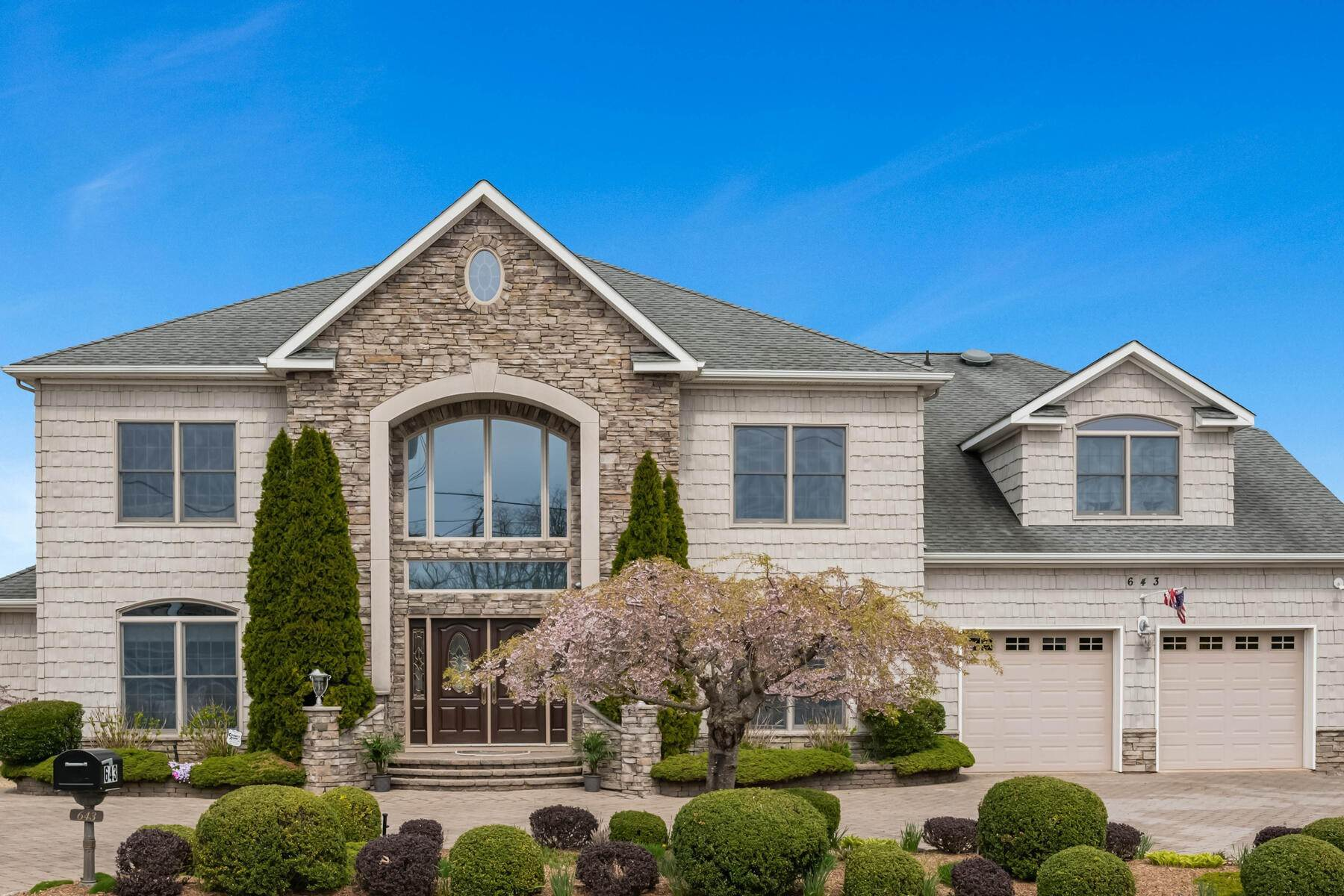 Single Family Homes for Sale at Magnificent Waterfront Custom Built Colonial Home 643 Bayside Avenue, Beachwood, New Jersey 08722 United States