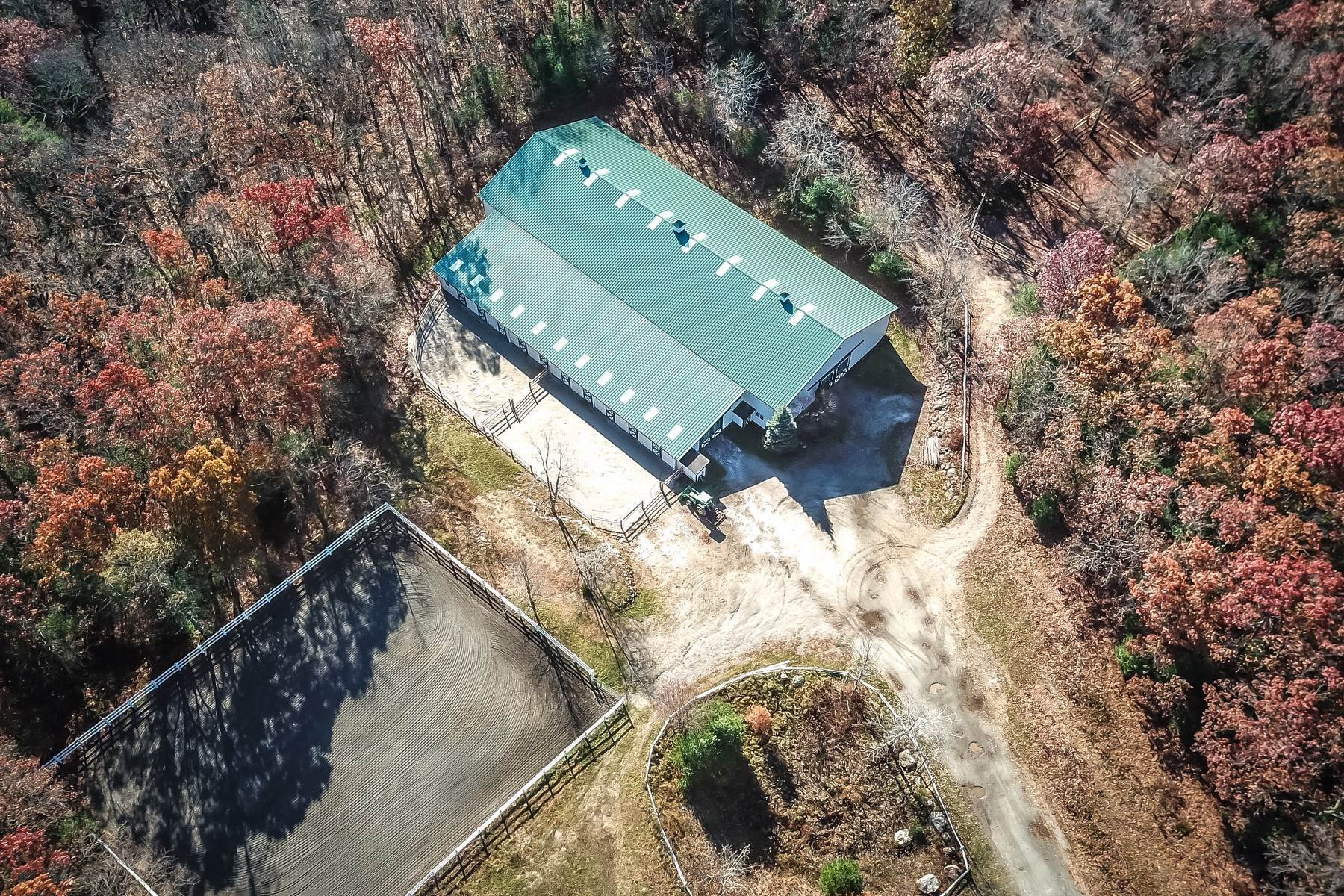 Single Family Homes at Prodigious Equestrian Facility And Home 34 Great Rock Road, Sherborn, マサチューセッツ 01770 アメリカ