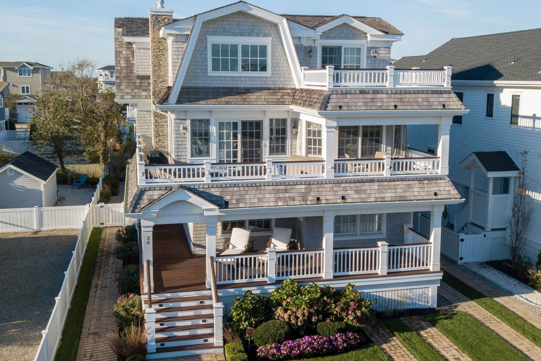 Single Family Homes for Sale at Stunning Beach Retreat 26 W 31st Street, Avalon, New Jersey 08202 United States