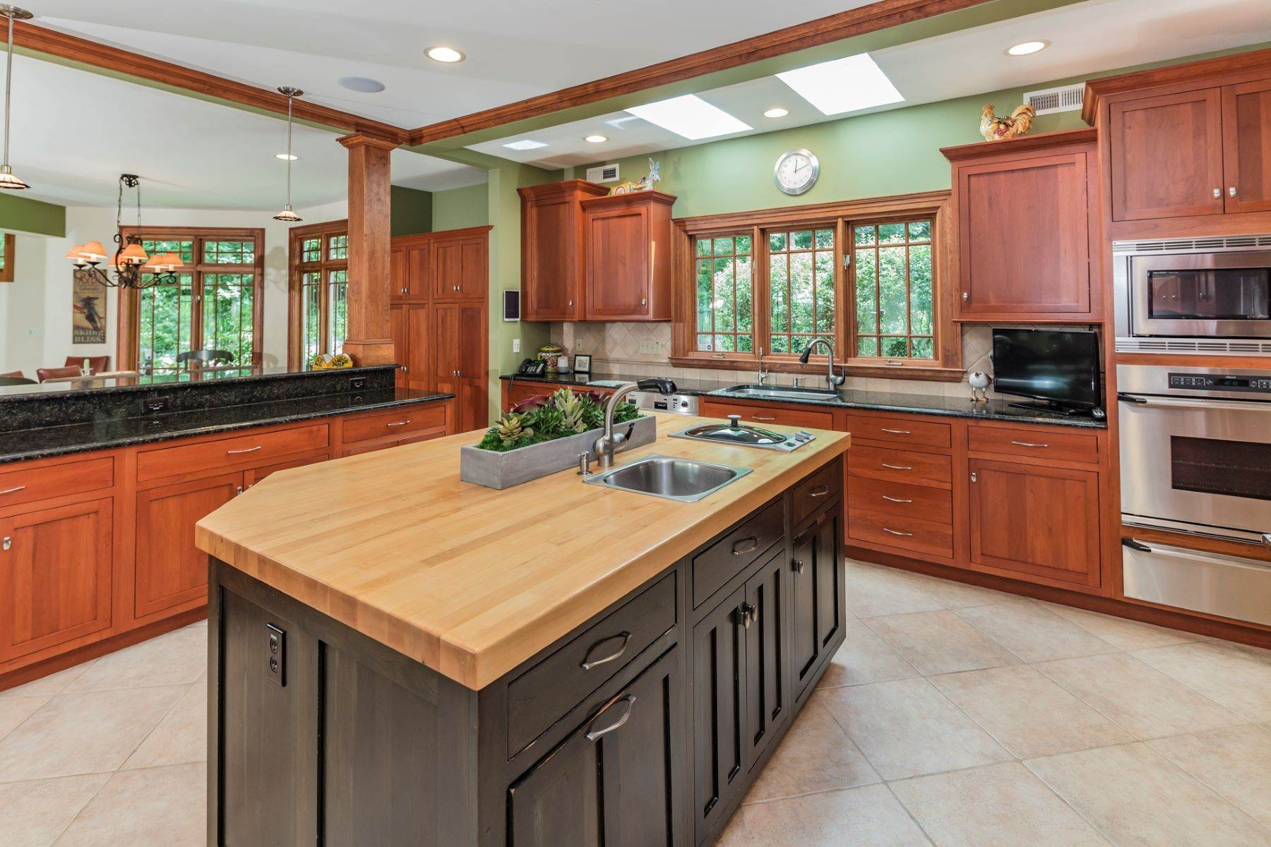 10. Single Family Homes vì Bán tại Spectacular Sanctuary 44 Cradle Rock Road, Princeton, New Jersey 08540 Hoa Kỳ