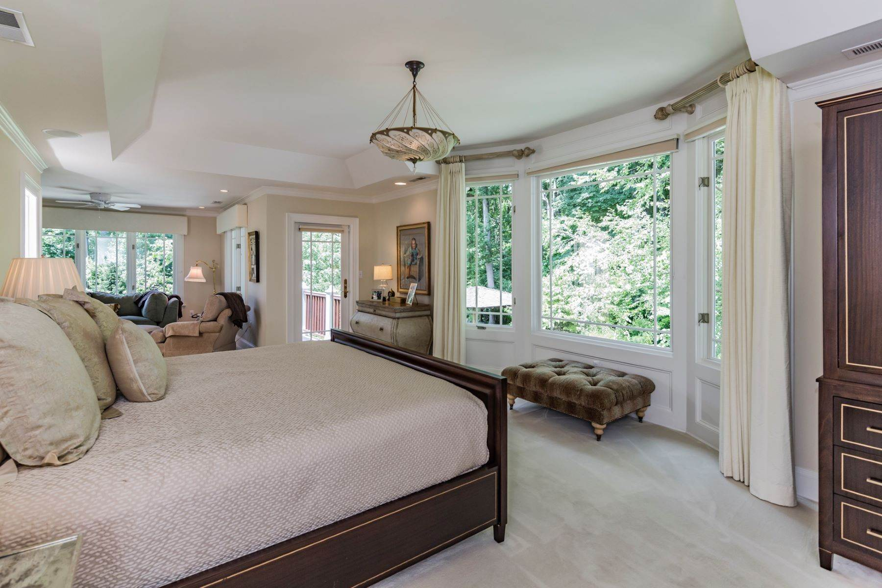 13. Single Family Homes vì Bán tại Spectacular Sanctuary 44 Cradle Rock Road, Princeton, New Jersey 08540 Hoa Kỳ