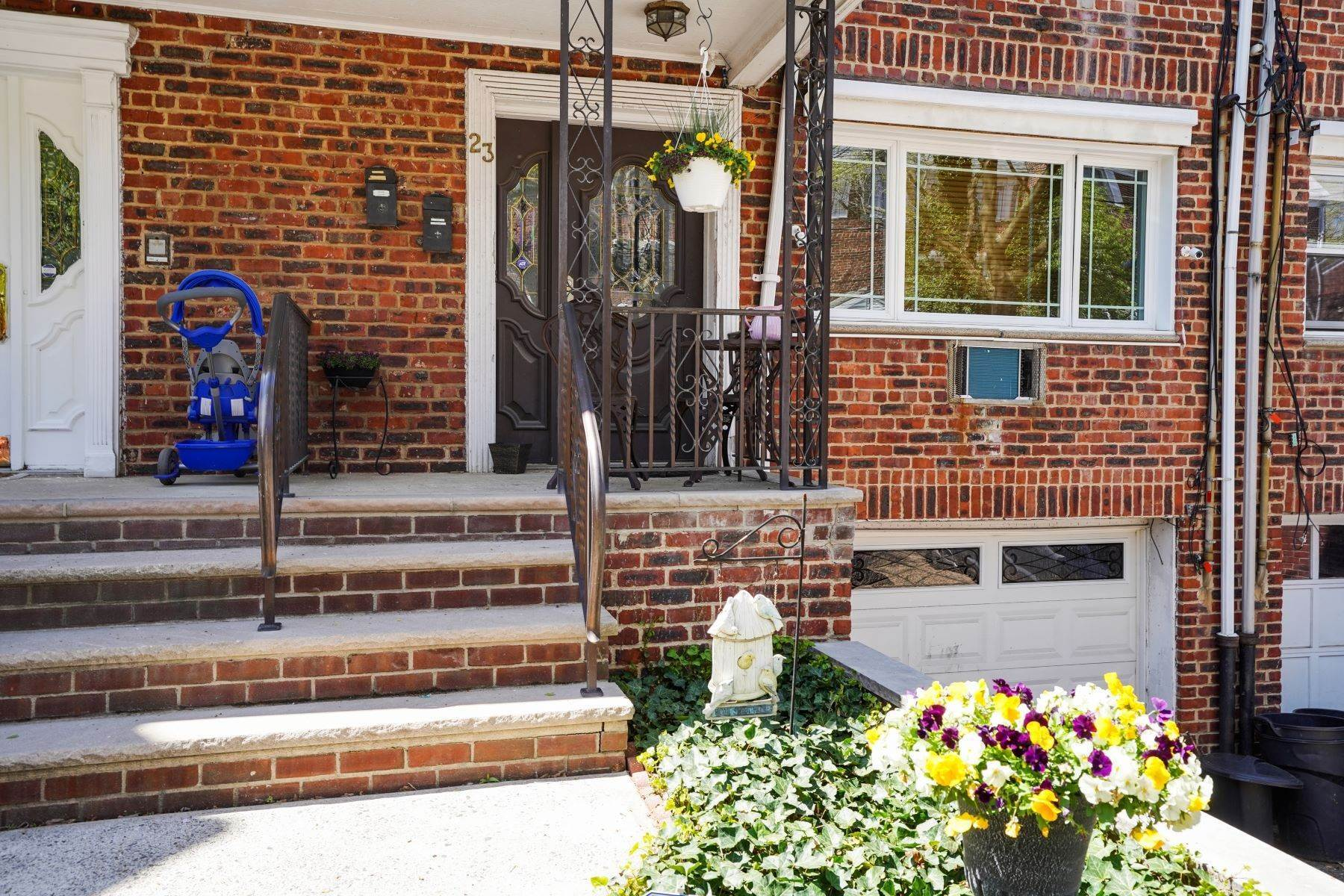 townhouses en LANDLORD PAYS HALF BROKER FEE******* 23 Sunset Avenue, Unit 2, Bayonne, Nueva Jersey 07002 Estados Unidos