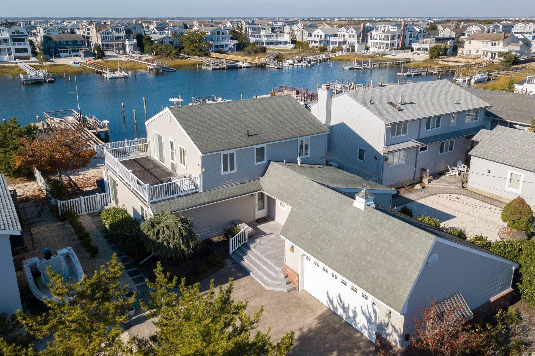 Single Family Homes for Sale at Expansive Bayfront 4388 Ocean Drive, Avalon, New Jersey 08202 United States