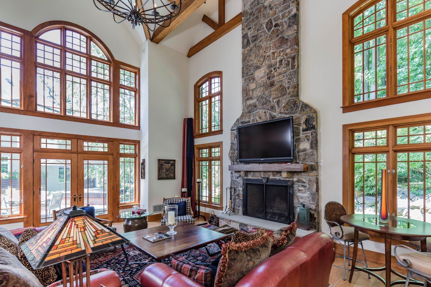 12. Single Family Homes vì Bán tại Spectacular Sanctuary 44 Cradle Rock Road, Princeton, New Jersey 08540 Hoa Kỳ