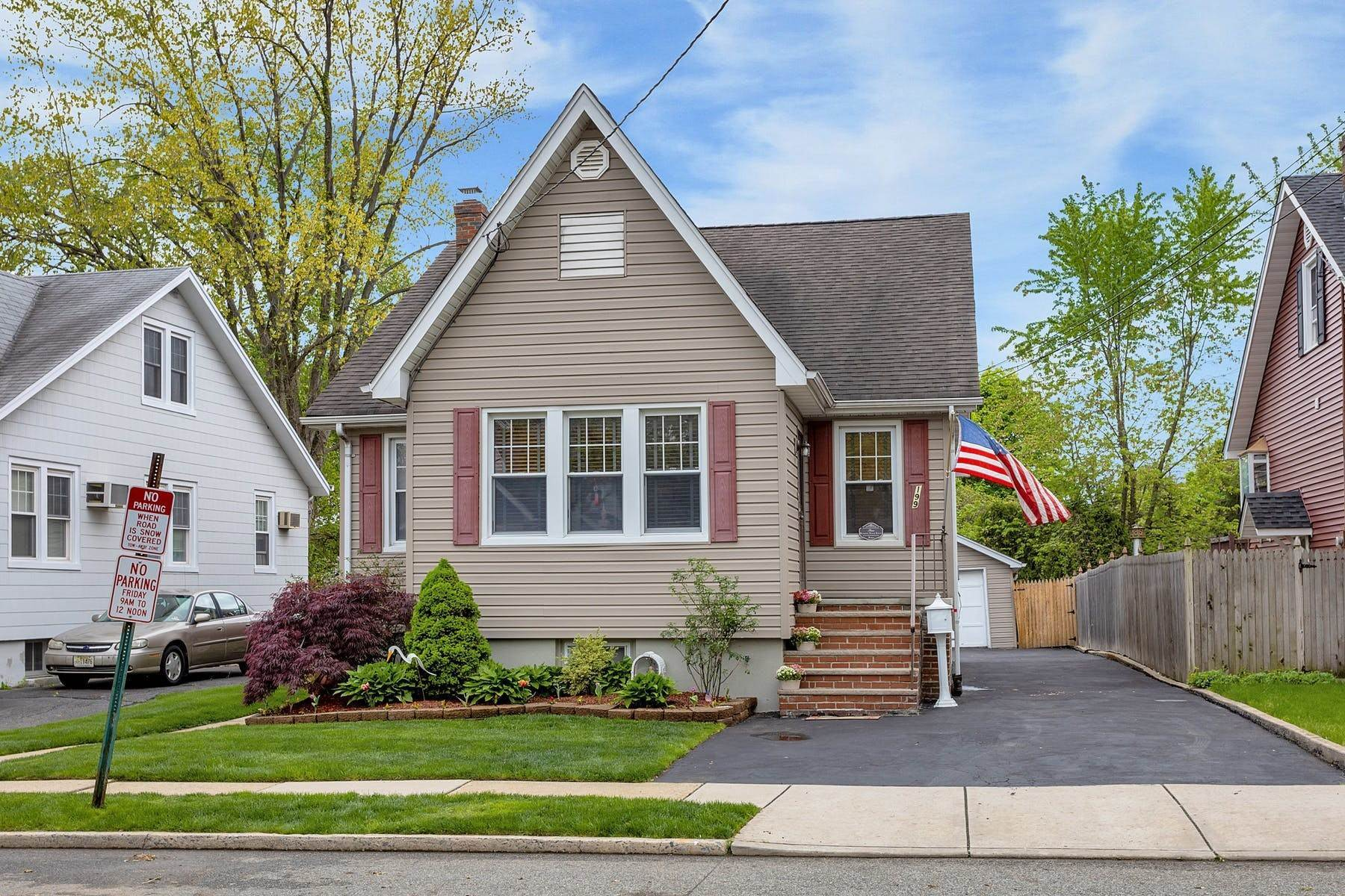 Single Family Homes for Sale at Welcome Home! 199 Brinkerhoff Street, Ridgefield Park, New Jersey 07660 United States