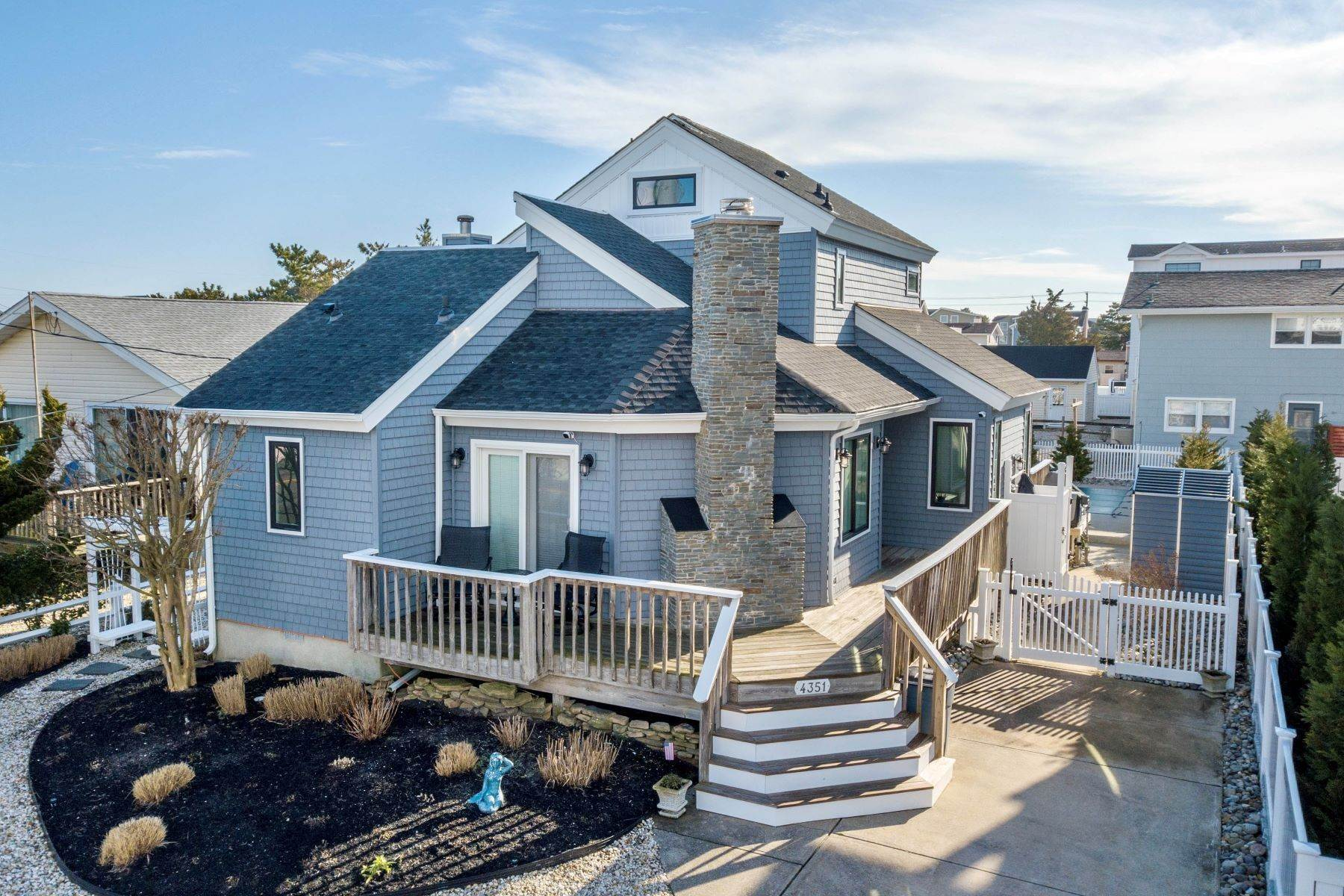 Single Family Homes for Sale at Renovated Avalon Starter Home 4351 Ocean Drive, Avalon, New Jersey 08202 United States
