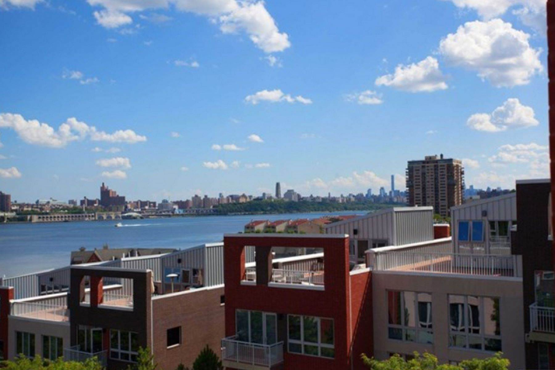 Condominiums at Edgewater, New Jersey 07020 United States