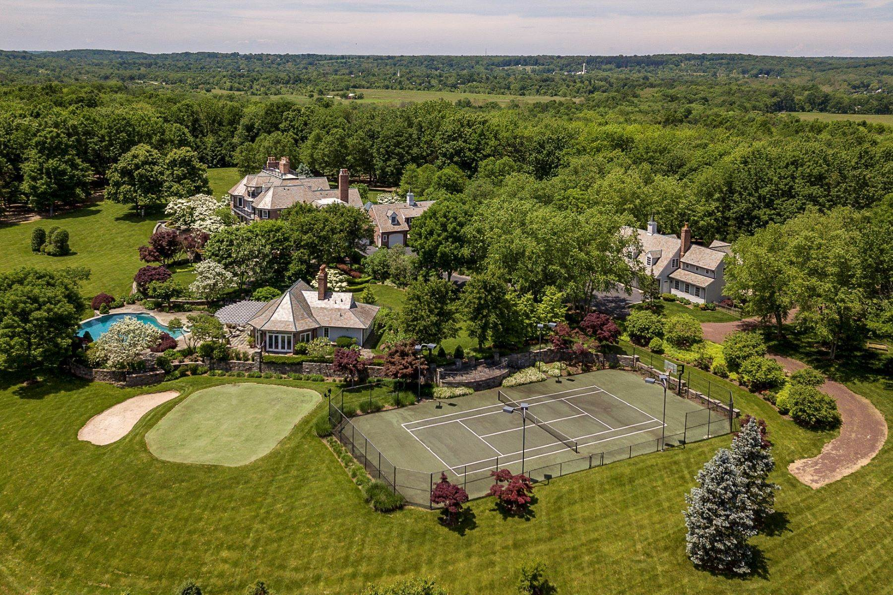 4. Single Family Homes pour l Vente à Private Compound with Every Amenity Imaginable 82 Aunt Molly Road, Hopewell, New Jersey 08525 États-Unis