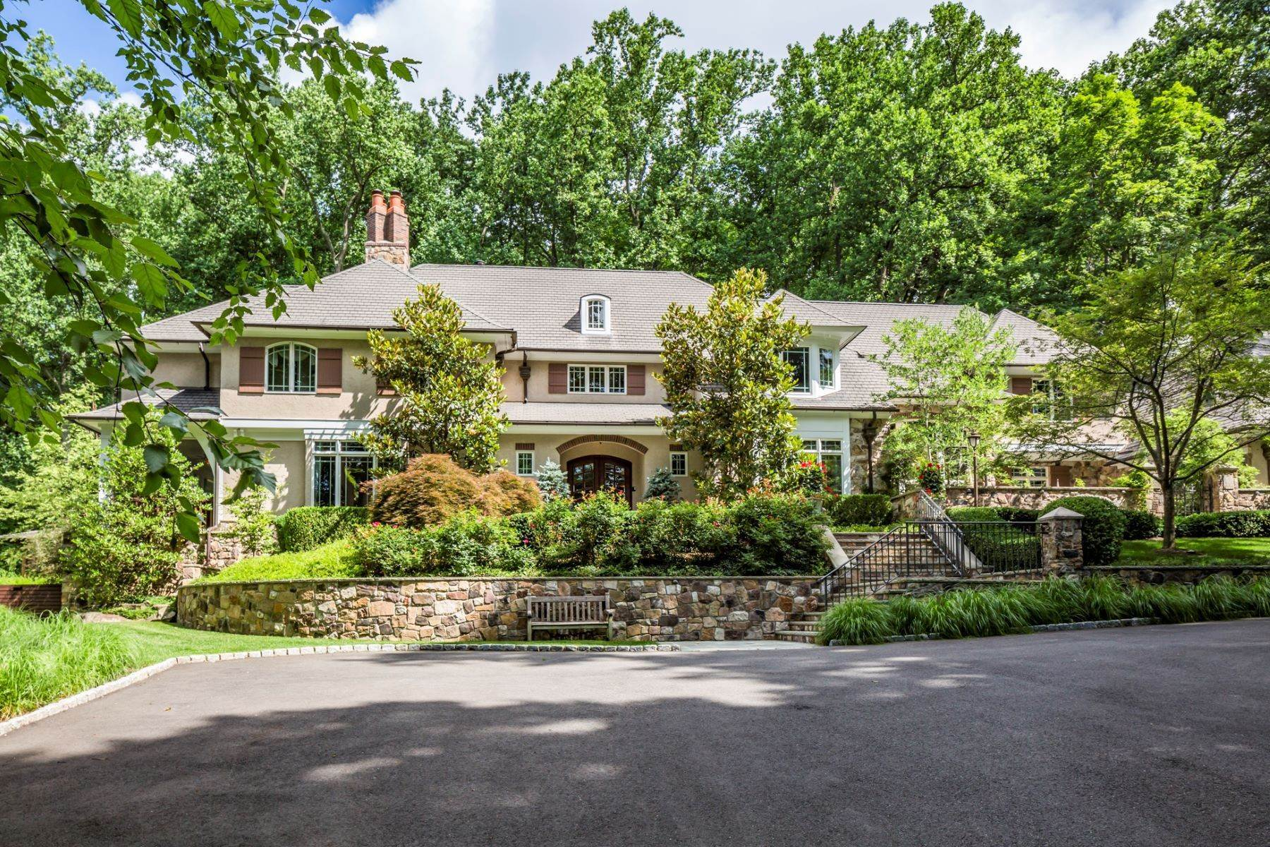 26. Single Family Homes vì Bán tại Spectacular Sanctuary 44 Cradle Rock Road, Princeton, New Jersey 08540 Hoa Kỳ