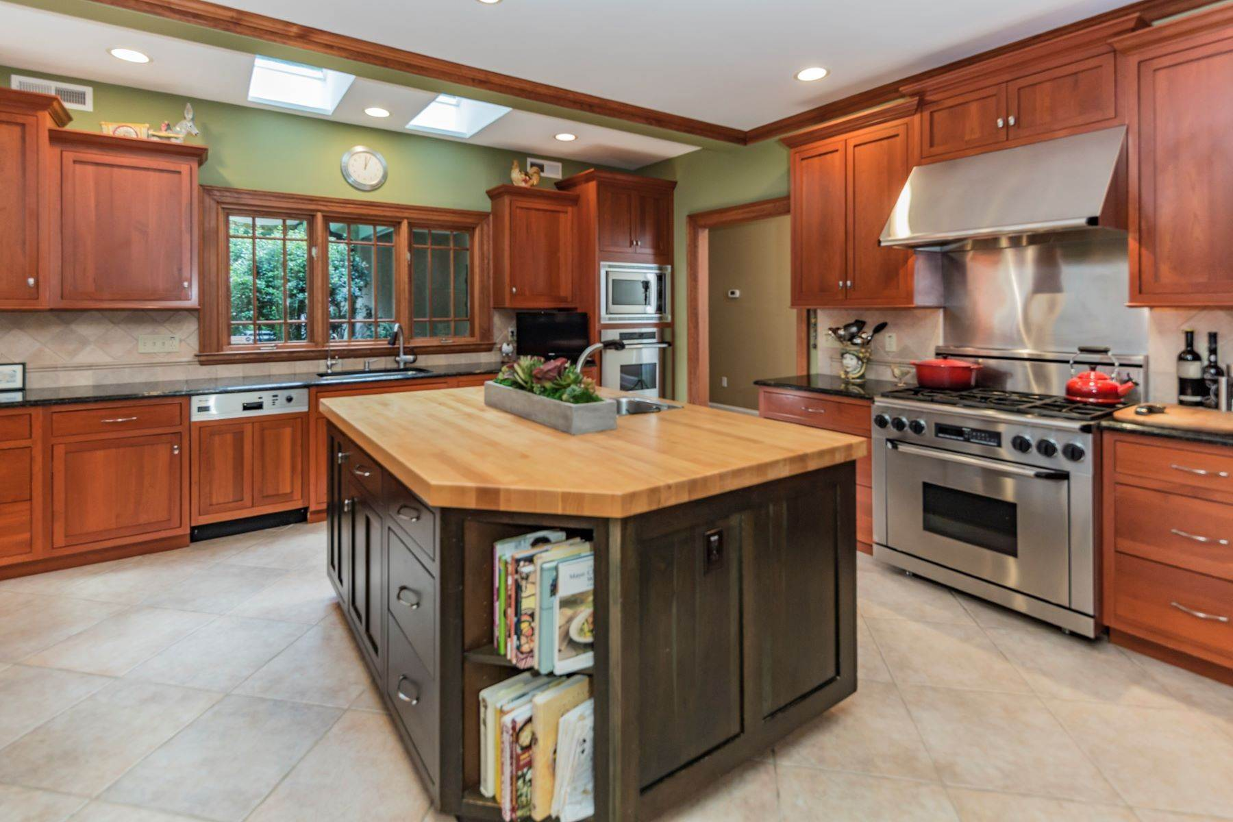 9. Single Family Homes vì Bán tại Spectacular Sanctuary 44 Cradle Rock Road, Princeton, New Jersey 08540 Hoa Kỳ