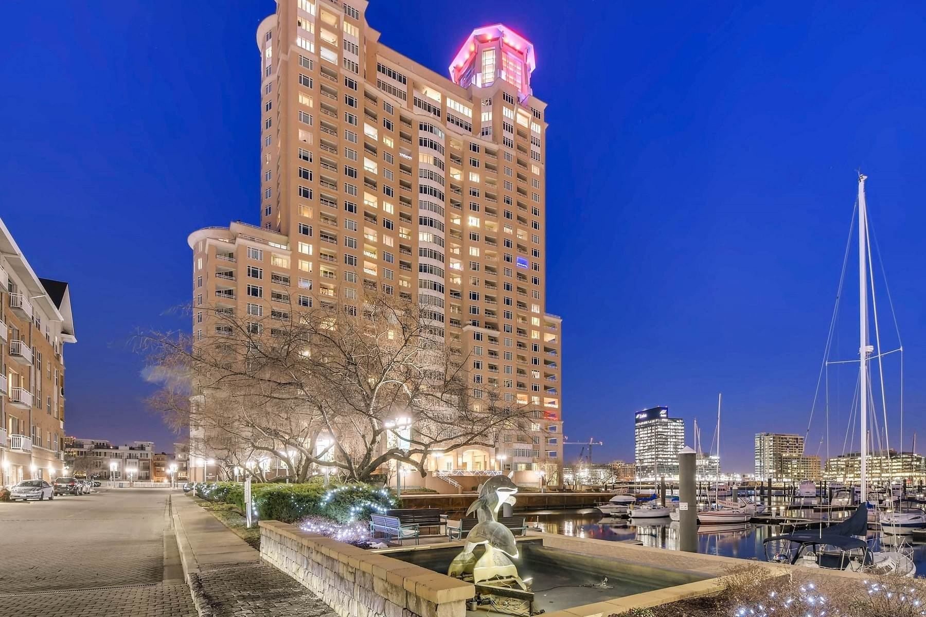 Condominiums per Vendita alle ore Expansive and Captivating Harborview Condominium 100 Harborview Drive #1901, Baltimore, Maryland 21230 Stati Uniti