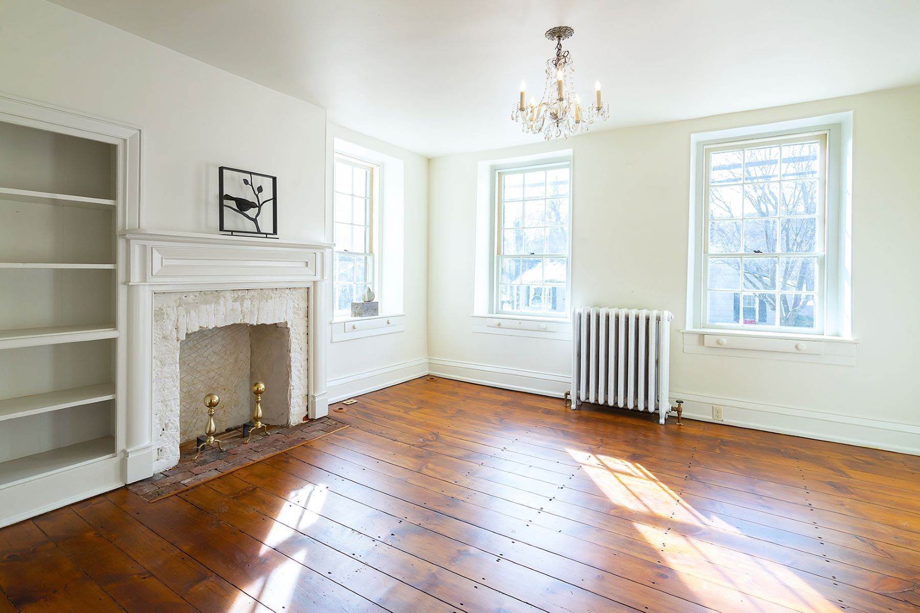 17. Single Family Homes at Stunning Renovated Greek Revival Available for Rent 23 South Main Street, Stockton, New Jersey 08559 United States