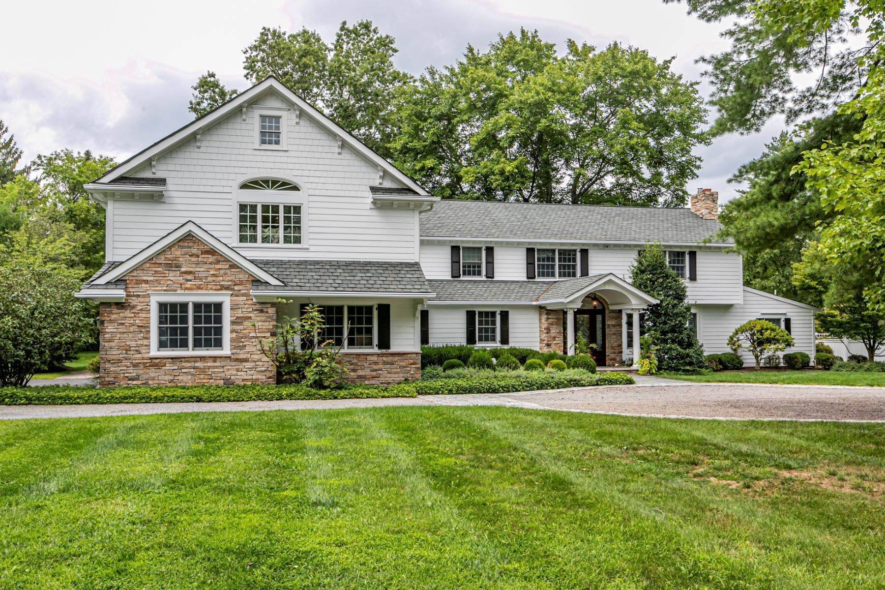 Single Family Homes lúc Manicured Poolscape, Sunny Spaces & Luxury Abound 59 Stetson Way, Princeton, New Jersey 08540 Hoa Kỳ