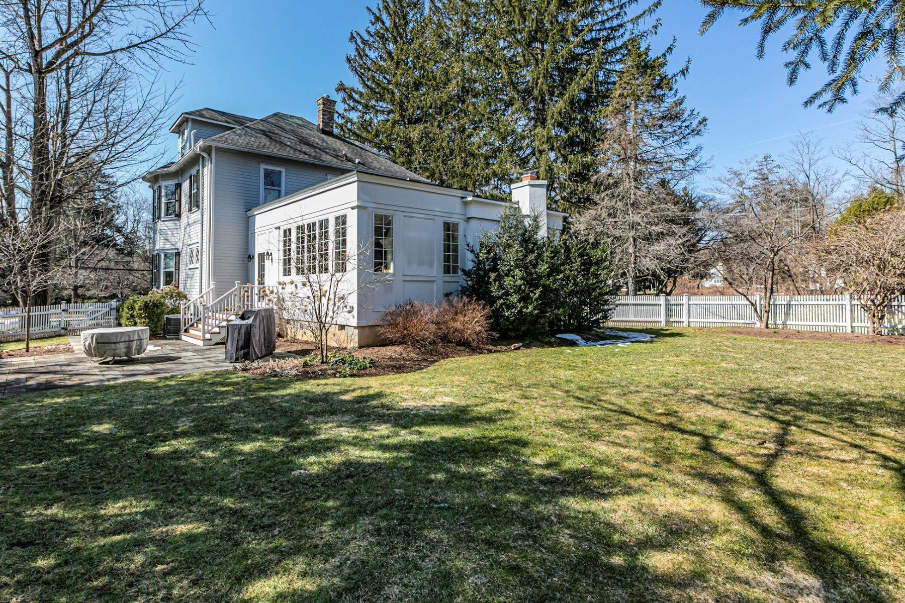 34. Single Family Homes for Sale at Picture Perfect Home Steps From Main Street 10 Green Avenue, Lawrenceville, New Jersey 08648 United States