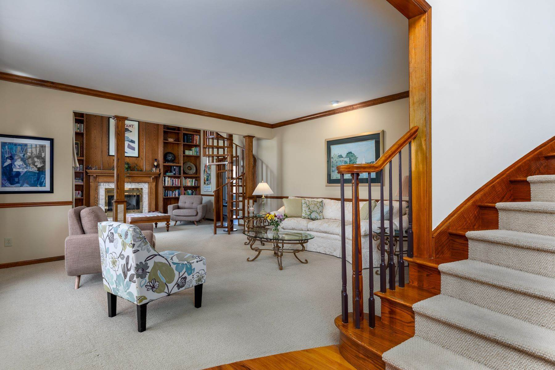 8. Single Family Homes for Sale at Windsor Park Estates Colonial Indulges at Every Turn 12 Sapphire Drive, West Windsor, New Jersey 08550 United States