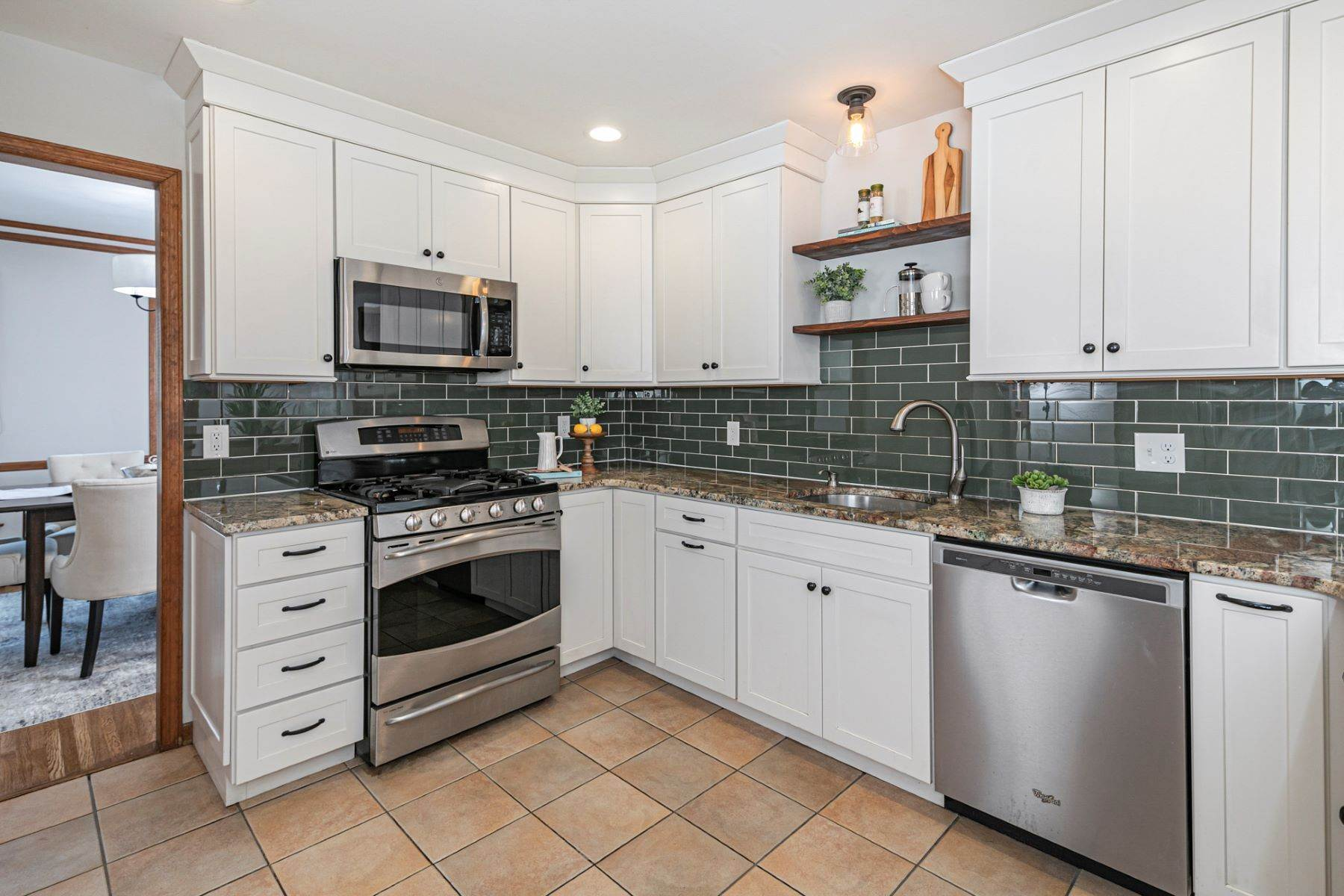 3. Single Family Homes for Sale at Timeless Floor Plan With Newer Kitchen and Baths 470 Millstone River Road, Belle Mead, New Jersey 08502 United States