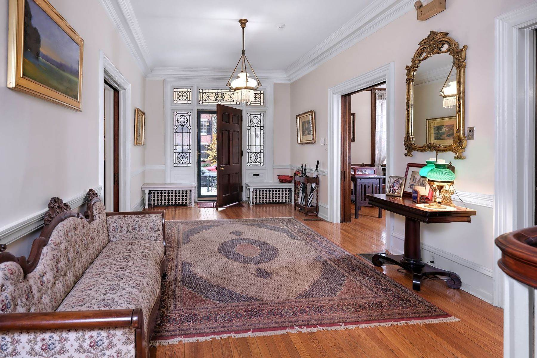 3. Single Family Homes のために 売買 アット A Once In A Lifetime Home 42 York Street, Lambertville, ニュージャージー 08530 アメリカ