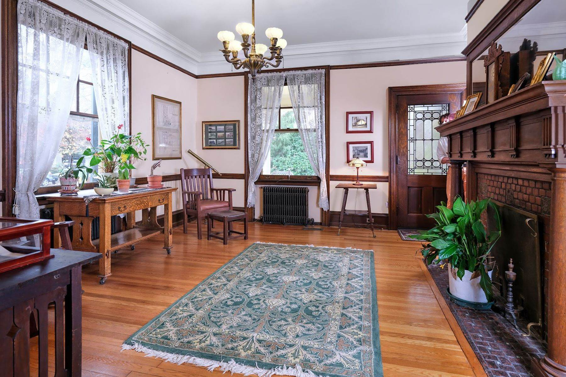 5. Single Family Homes のために 売買 アット A Once In A Lifetime Home 42 York Street, Lambertville, ニュージャージー 08530 アメリカ
