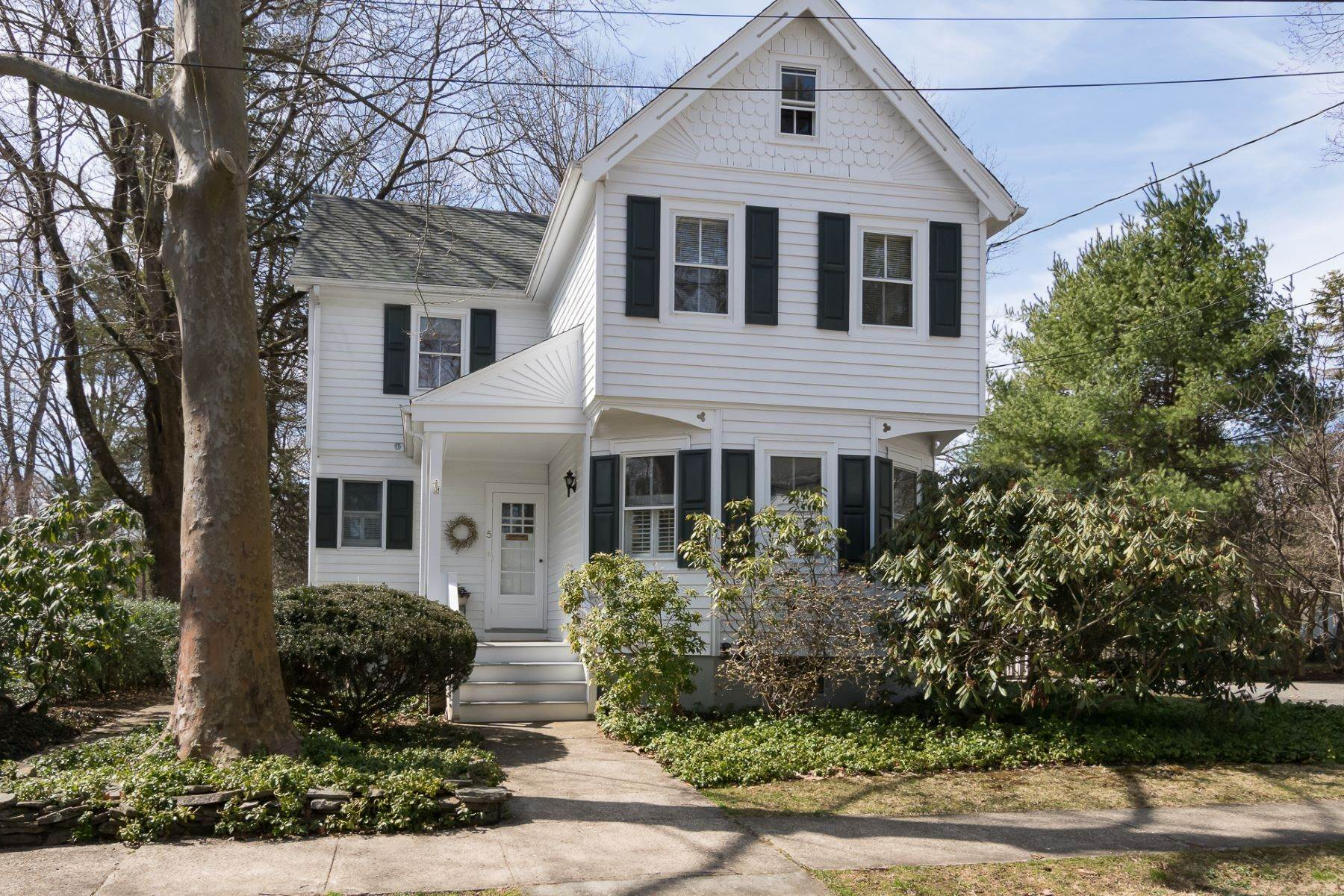 Single Family Homes for Sale at Storybook Home on a Stroll-Everywhere Street 5 Titus Avenue, Lawrenceville, New Jersey 08648 United States