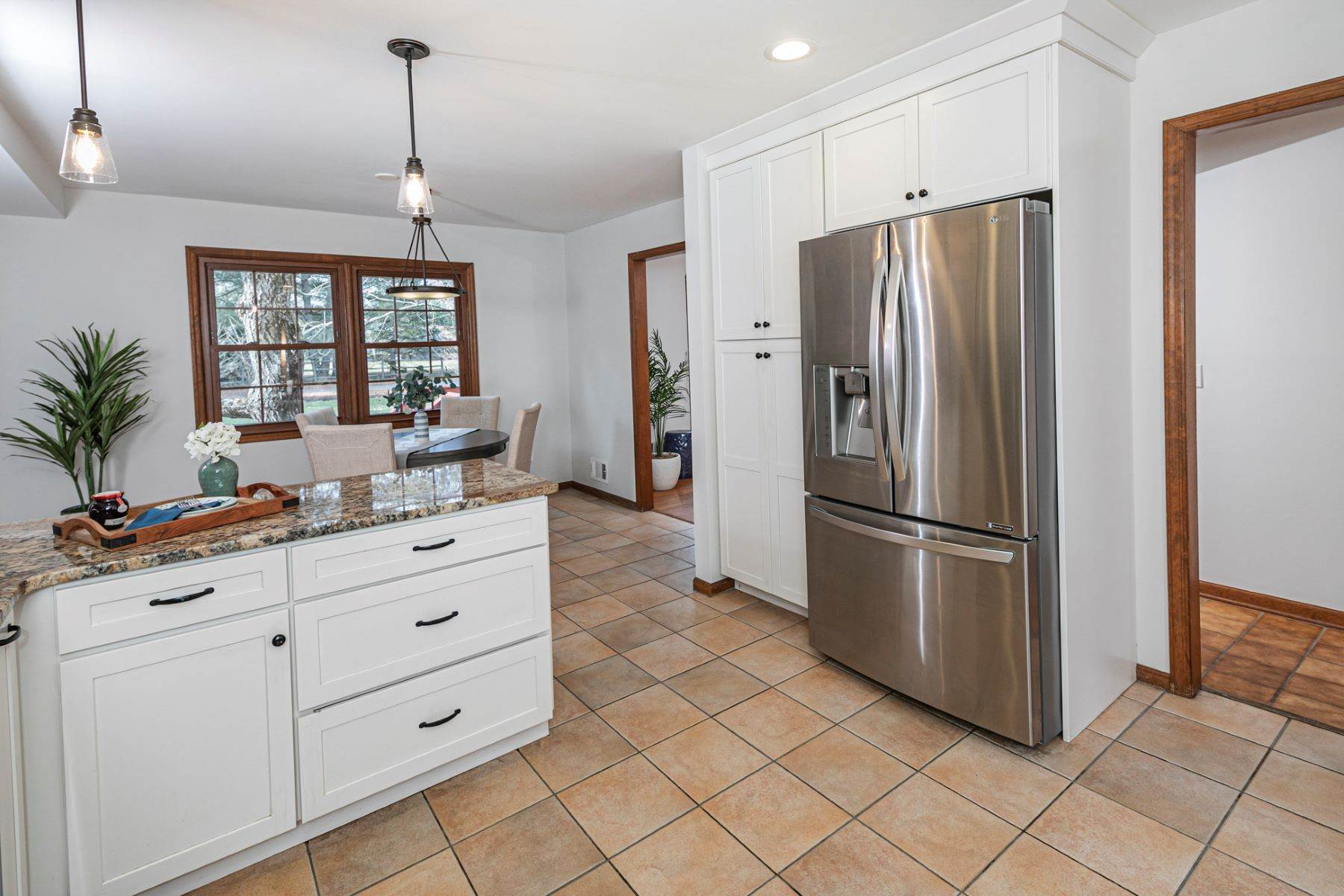 5. Single Family Homes for Sale at Timeless Floor Plan With Newer Kitchen and Baths 470 Millstone River Road, Belle Mead, New Jersey 08502 United States