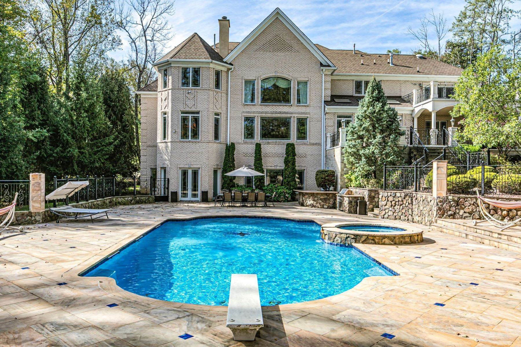 29. Single Family Homes for Sale at The Ultimate in Craftsmanship and Indulgence 10 Leonard Court, Princeton, New Jersey 08540 United States
