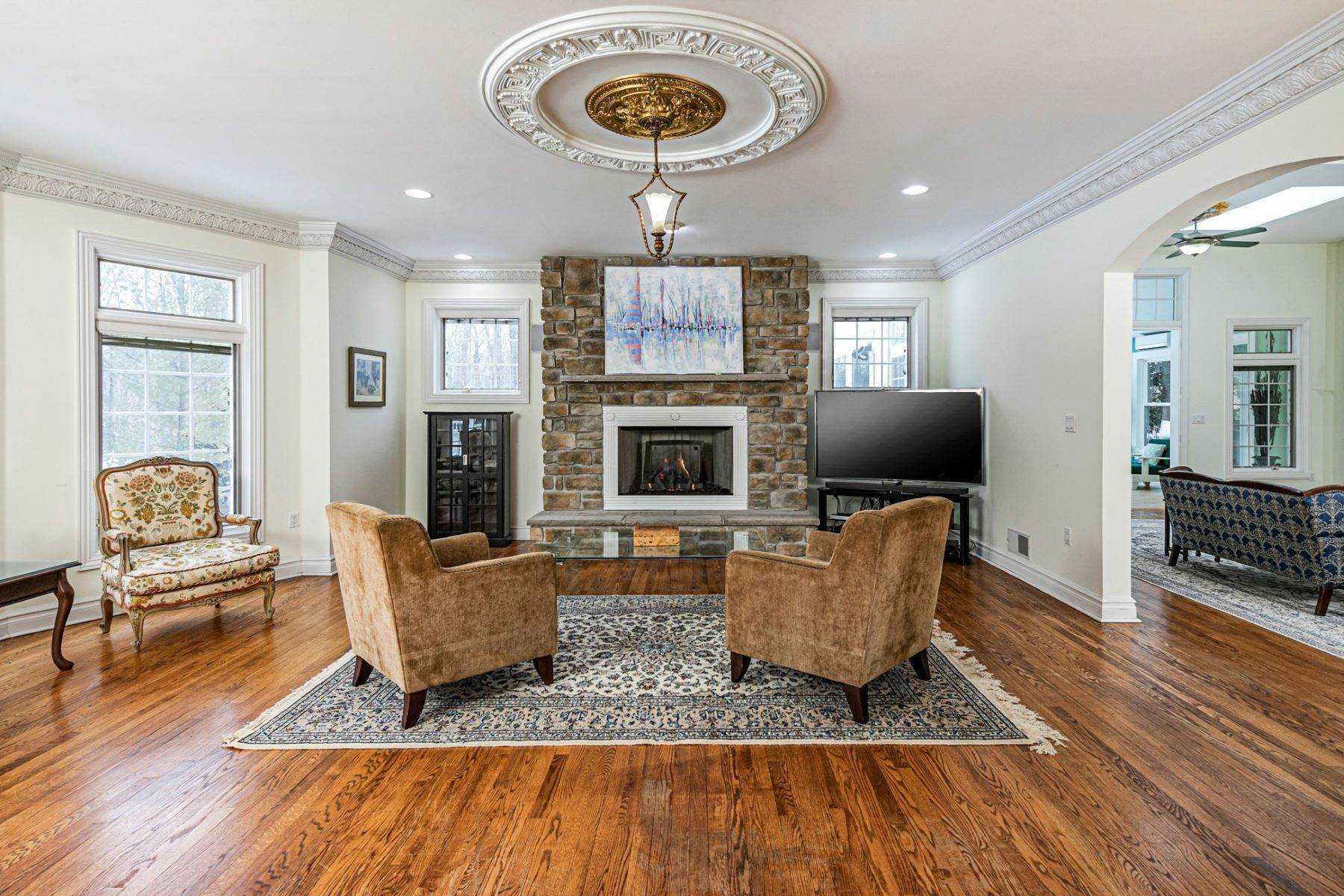 15. Single Family Homes for Sale at A Sprawling Showplace Where East Meets West 76 Pettit Place, Princeton, New Jersey 08540 United States