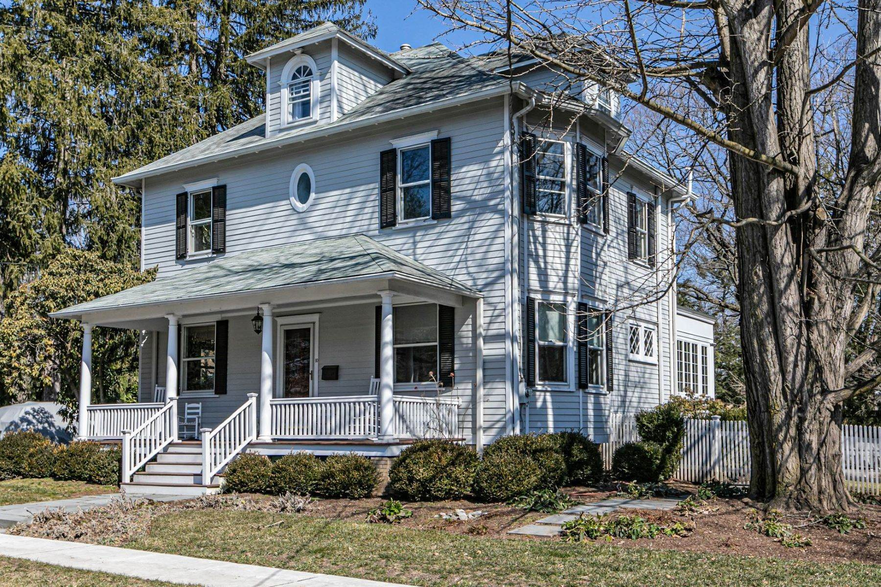 Single Family Homes for Sale at Picture Perfect Home Steps From Main Street 10 Green Avenue, Lawrenceville, New Jersey 08648 United States