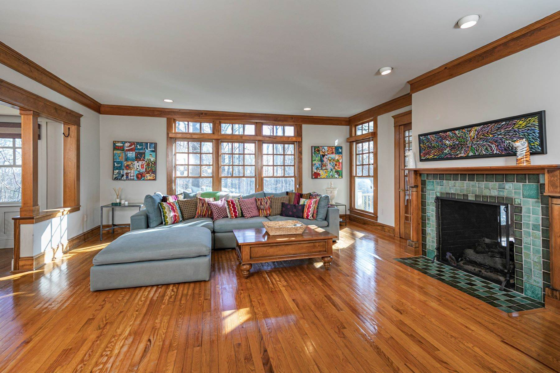 12. Single Family Homes for Sale at Arts and Crafts Showplace in The Preserve 36 Oakridge Court, Princeton, New Jersey 08540 United States