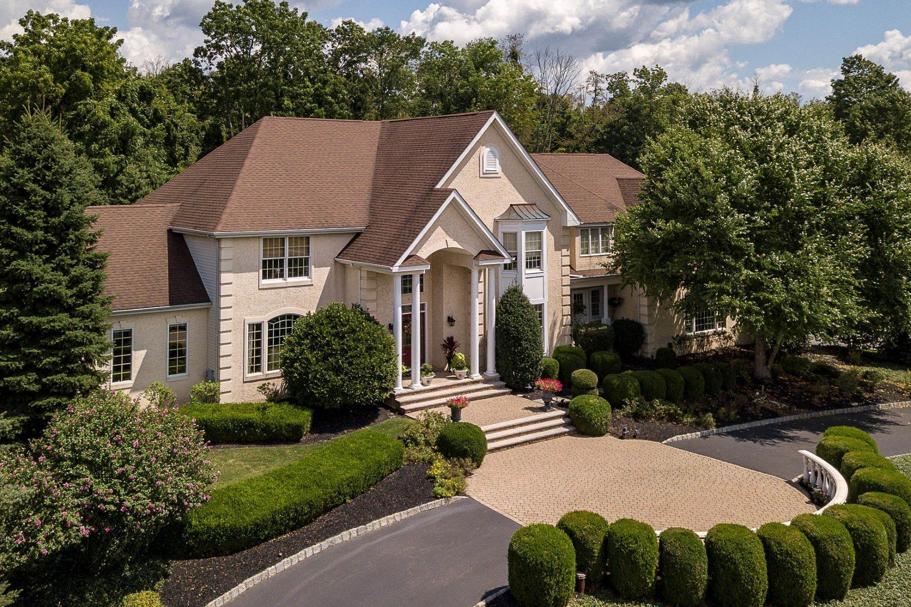 Single Family Homes for Sale at Spectacular Home For The Luxury Buyer 11 Turtle Court, Flemington, New Jersey 08822 United States