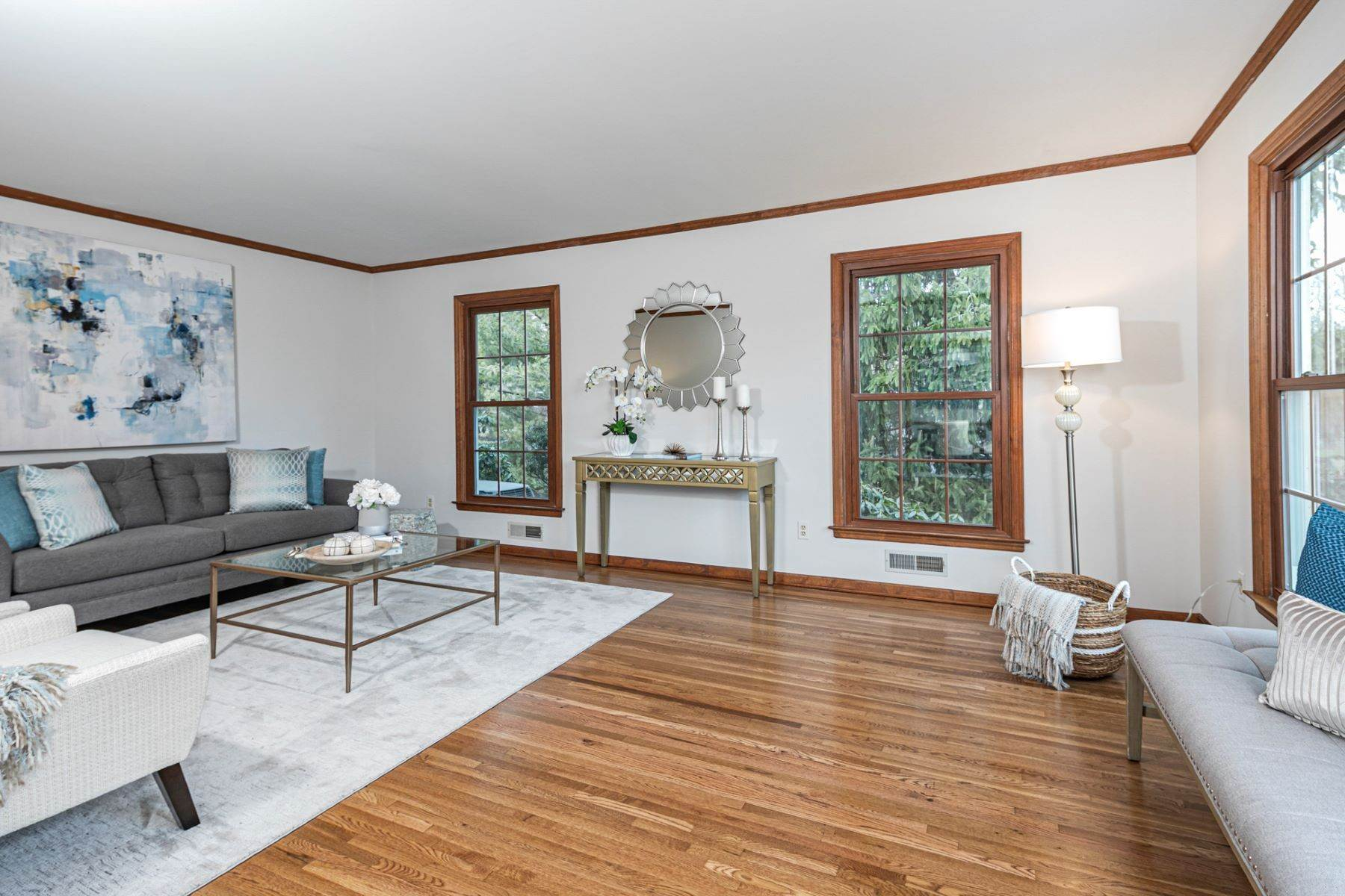 10. Single Family Homes for Sale at Timeless Floor Plan With Newer Kitchen and Baths 470 Millstone River Road, Belle Mead, New Jersey 08502 United States