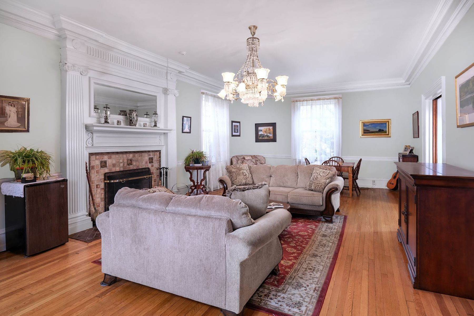 4. Single Family Homes のために 売買 アット A Once In A Lifetime Home 42 York Street, Lambertville, ニュージャージー 08530 アメリカ