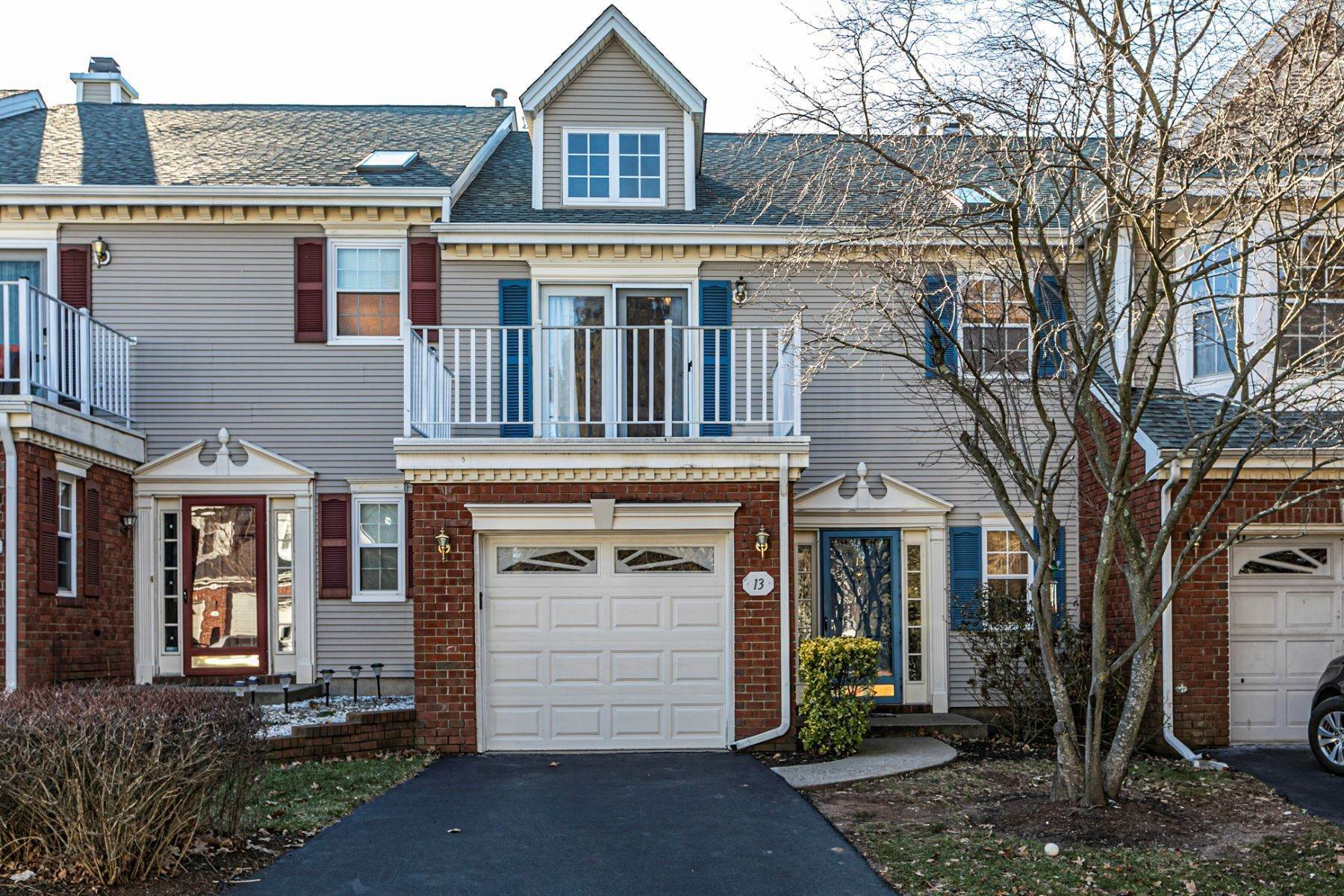 townhouses for Sale at Immaculate Beacon Hill Townhome 13 Diamond Court, Franklin Park, New Jersey 08823 United States