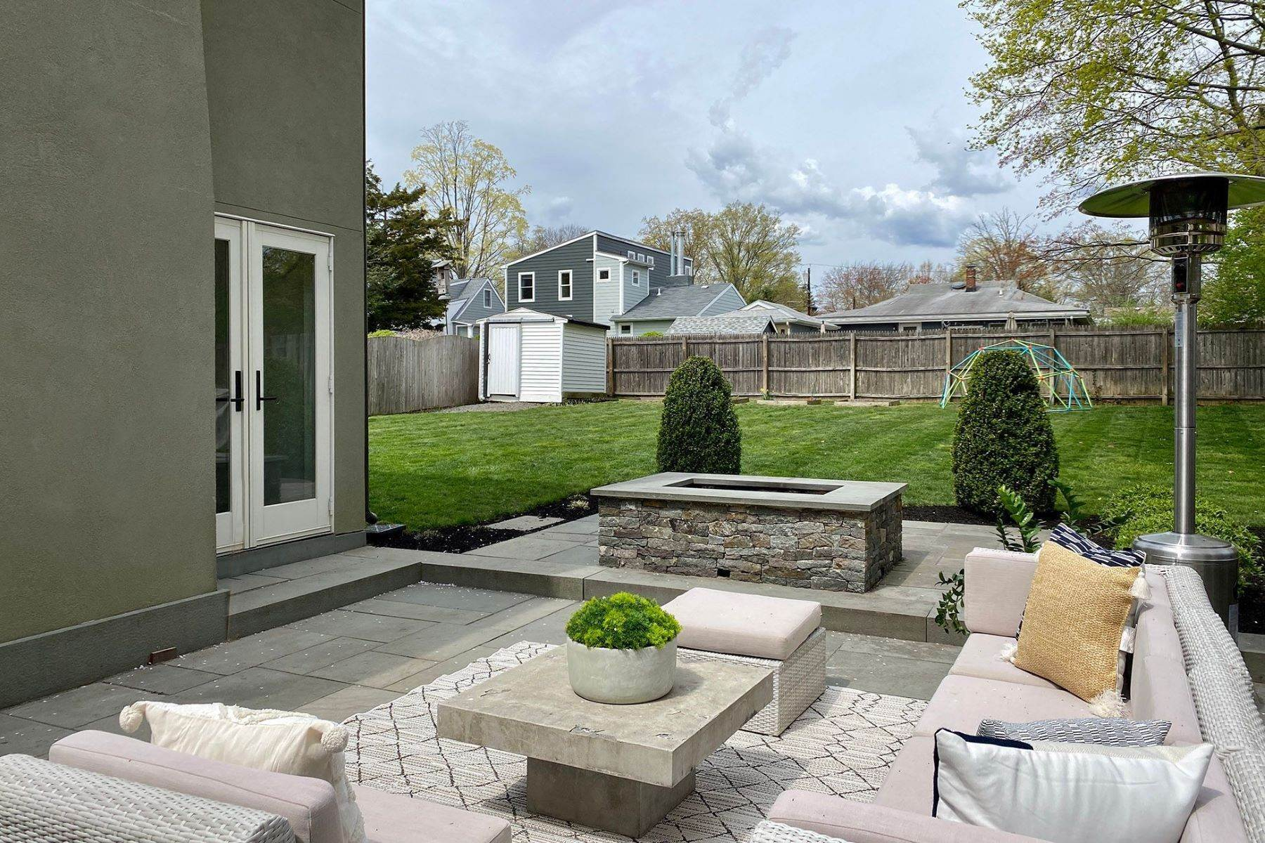 33. Single Family Homes for Sale at A Modern Transformation by Mercer General Works 22 Fisher Avenue, Princeton, New Jersey 08540 United States