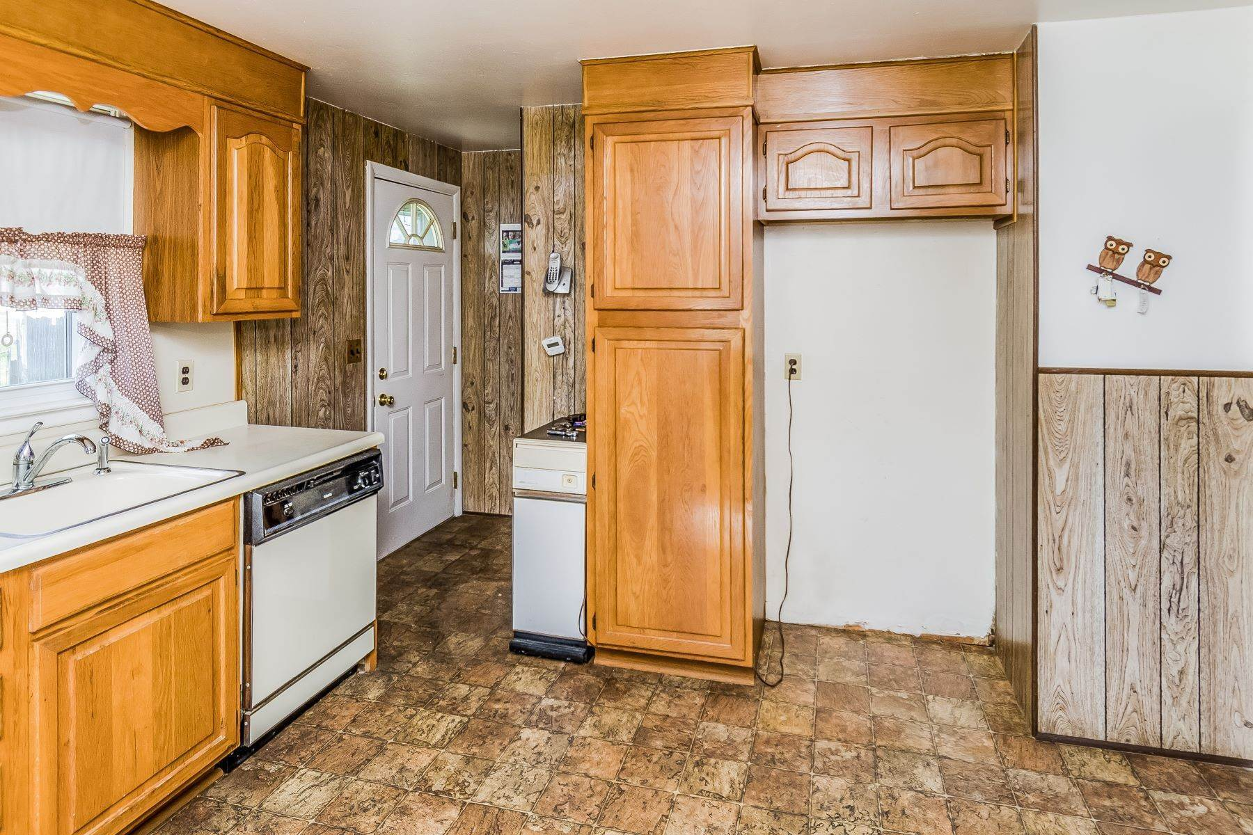 13. Single Family Homes for Sale at Hamilton Ranch Corners the Market on Convenience 95 Hempstead Road, Hamilton, New Jersey 08610 United States